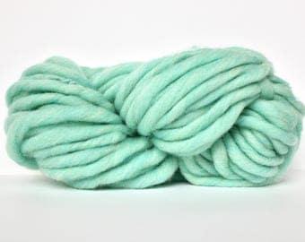 Super Chunky Yarn, Giant Yarn, Super Thick Yarn, Smoosh Yarn, Hand Spun, Roving yarn, Blanket Yarn, XL Yarn, Big Wool, Spearmint Heather
