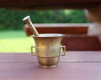 Brass mortar and pestle Antique brass mortar with pestle Mechanical grinder Brass kitchen decor Small mortar and pestle Vintage mortar