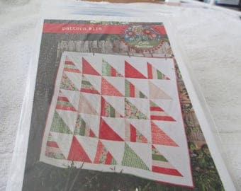 Paper Pattern for a quilt called seesaw by Lella Boutique in 2 sizes