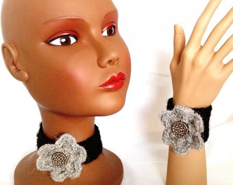 Wool jewelery set: black and gray necklace and bracelet
