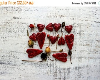 CHRISMAS IN JULY 20-26.07 Woodland wedding favors rustic heart magnets cottage chic guest favors bridal shower red wine celtic runes leaves