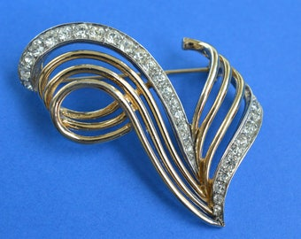 Vintage Brooch Pin by BOUCHER 1950s