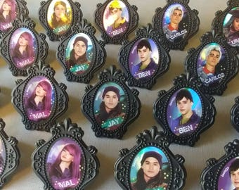 24 DISNEY DESCENDANTS 2 cupcake rings picks or cake toppers birthday party treat bag favors Mal Evie Uma Ben Carlos Jay Rotten to the Core