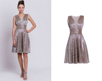 sleveless metallic dress, gold midi dress, silver midi dress, vneck dress, new years eve dress, prom dress, party dress, knee-length dress