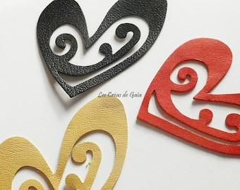 1 x fine cut stylized heart vintage leather