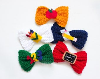School Bows/ Back to school bows/ Crayon bow/ Pencil Bow/ Apple Bow/ Chalkboard bow/ Back to School outfit/ Girls bows/ School outfit/ Schoo