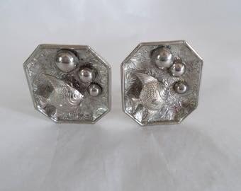 Vintage Silver Tone Fish In A Aquarium Clip Earrings //23