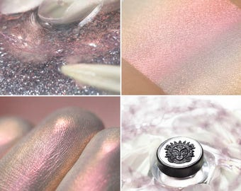 Eyeshadow: Reflection of the Sleeping Soul  - Alchemy. Pink-gold satin eyeshadow by SIGIL inspired.