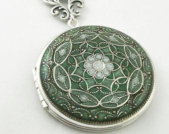 Green Filigree Locket, Resin Locket, Holiday Gift For Her, Mothers Day Gift, Wedding Locket, Memorial Locket