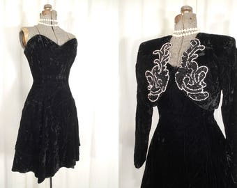 Vintage 1980s Dress / Black Strapless Velvet Dress / Pin Up Bombshell Dress / Boho Gothic Grunge Dress