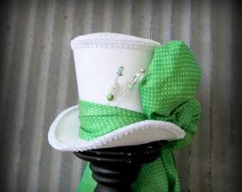ON SALE Kentucky Derby Hat, Green Polka dot hat, Alice in Wonderland Mini Top Hat, Tea Party Hat, Mad Hatter Hat, Bridal Shower