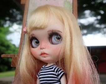 HOLA is Looking for love Ooak  custom blythe by takudaaahouse