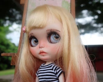 HOLA is Looking for love Ooak  custom blythe by takudaaahouse
