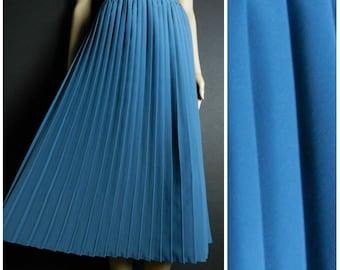 80s Polyester high waist accordion pleat elasticated calf length midi skirt full skirt dusty blue U.K. 14 - 16 M L