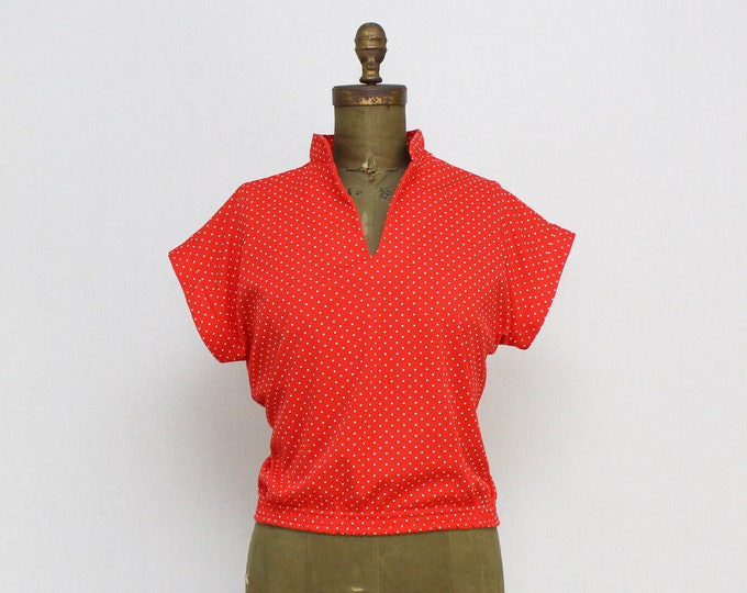 Vintage 1970s Red Short Sleeve Polka Dot Top - Size Medium