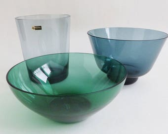 TOP mixed lot 1950s glass: 1 vase (WMF, Wagenfeld design) and 2 bowls. Hand blown, ultra-thin, Midcentury glass (gray, blue, green). VINTAGE