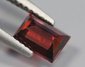 1.26 Ct Natural Purplish Red RHODOLITE GARNET