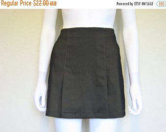 ON SALE Dark Green short 90s skirt