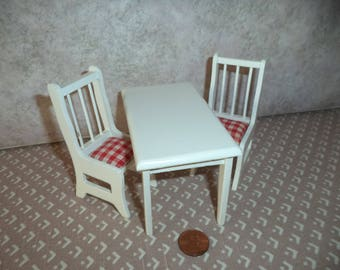 1:12 scale Dollhouse Miniature White kitchen table w/ 2 chair's