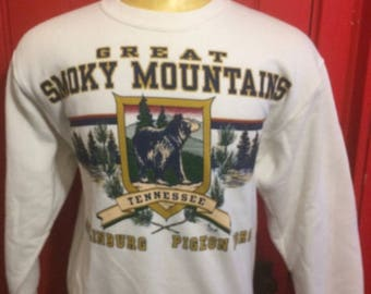35% OFF SALE Vintage 80s Great Smokey Mountains, Tennessee 1980's Sweatshirt - vintage sweatshirt - travel - tourism (Medium)