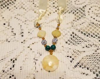 Yellow jade pendant necklace
