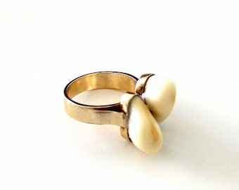 Deer teeth,Grandel Ring 585 yellow gold, goldsmith work.