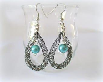 Trendy earrings and original Pearl blue duck and FishNet nickel