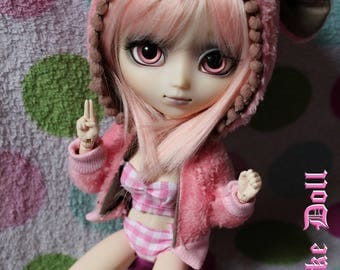 """""""Pink Bear Flannel"""" hoodie for Pullip"""
