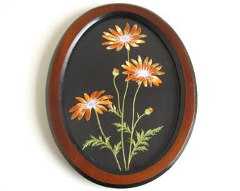 Vintage Embroidered Floral Needlepoint in Oval Frame Wall-Hanging