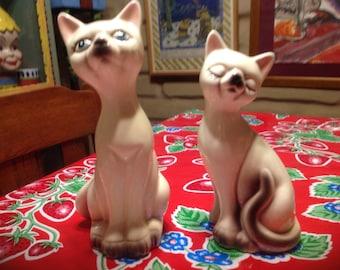 Vintage hand painted Siamese cat couple figurines- Japan