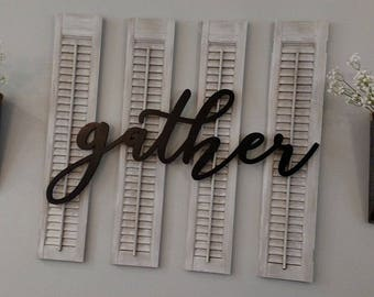 Set of 4 Wood Shutters - Puppy love/White Distressed