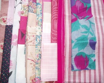 set of 500 g fabrics of different sizes in shades of pink my BOX7
