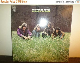 Save 30% Today Vintage 1971 LP Record Ten Years After A Space in Time Excellent Condition 360 Sound Stereo 11142