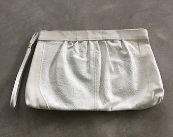80s Vintage Toni White Floral Clutch