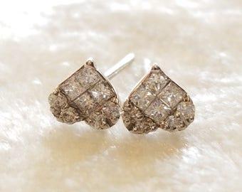 18 K white gold heart shape diamond earrings