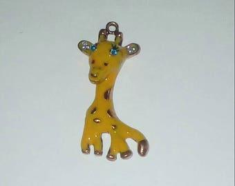 X 1 large giraffe 50mm pendant