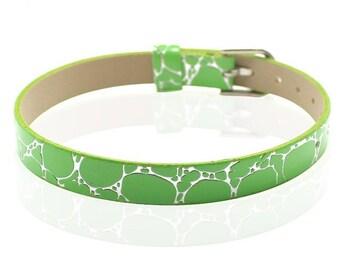 Green Crackle type 22cm leather bracelet
