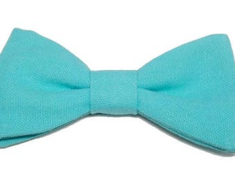 Turquoise bow with straight edges