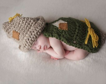 Newborn Baby Scarecrow Photo Prop - Fall Themed - Photography Props - Crochet Scarecrow hat and cape