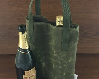 Green Pearson Wine Tote // Gifts for her // Gifts for him // Wine Bag // Bachelorette Gift