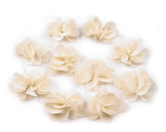 Set of 10 small flowers in cream ivory veil