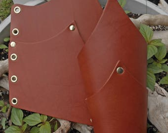 Leather Articulated Bracers Plain in Chestnut Brown.