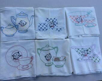 Vintage Kitchen Dishtowel FlourSack Towel Embroidered Kittens and Dishes