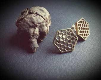 stud earrings *honeycomb*