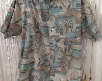 Men's button up abstract pattern shirt M