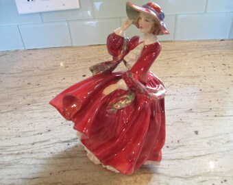 ROYAL DOULTON Figurine - Top of The Hill HN 1834 - Southern Belle - Scarlett Ohara - Gone With The WInd - Bone China