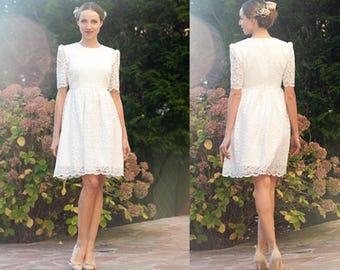 Short wedding dress with sleeves/ Short lace wedding dress/ Long sleeves short wedding dress/ Short knee length/ Robe de mariée civile