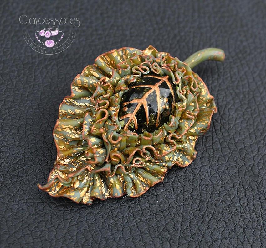 Leaf brooch Leaf pin Autumn brooch Green amber brooch Fall pin Vintage brooch Art Nouveau  brooch Handmade brooch Bohemian pin Polymer clay
