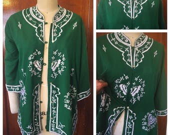 Vintage 70s Embroidered Kimono Jacket Green Bell Sleeve Hippie Boho Festival tunic shift dress button down Shirt o/s