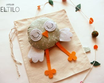 Tweety Sparrow mobile / / handmade mobile / / baby and kids room decoration / / birth gift / / baby gift